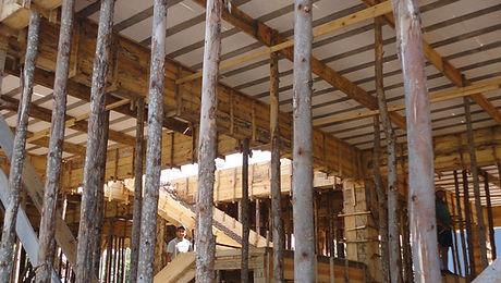 Escoras de Eucalipto para Construção Civil