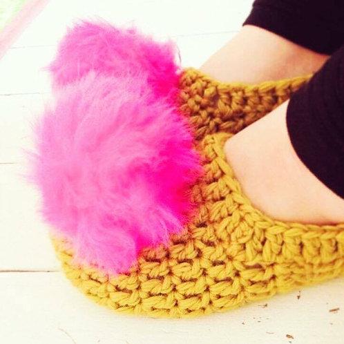 Christmas PomPom Slippers - Crochet Pattern