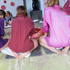 Vulva casting takes crafting parties to a whole new level! The process take about five minutes which go quickly with the lively conversation, laughing and music filling the room.