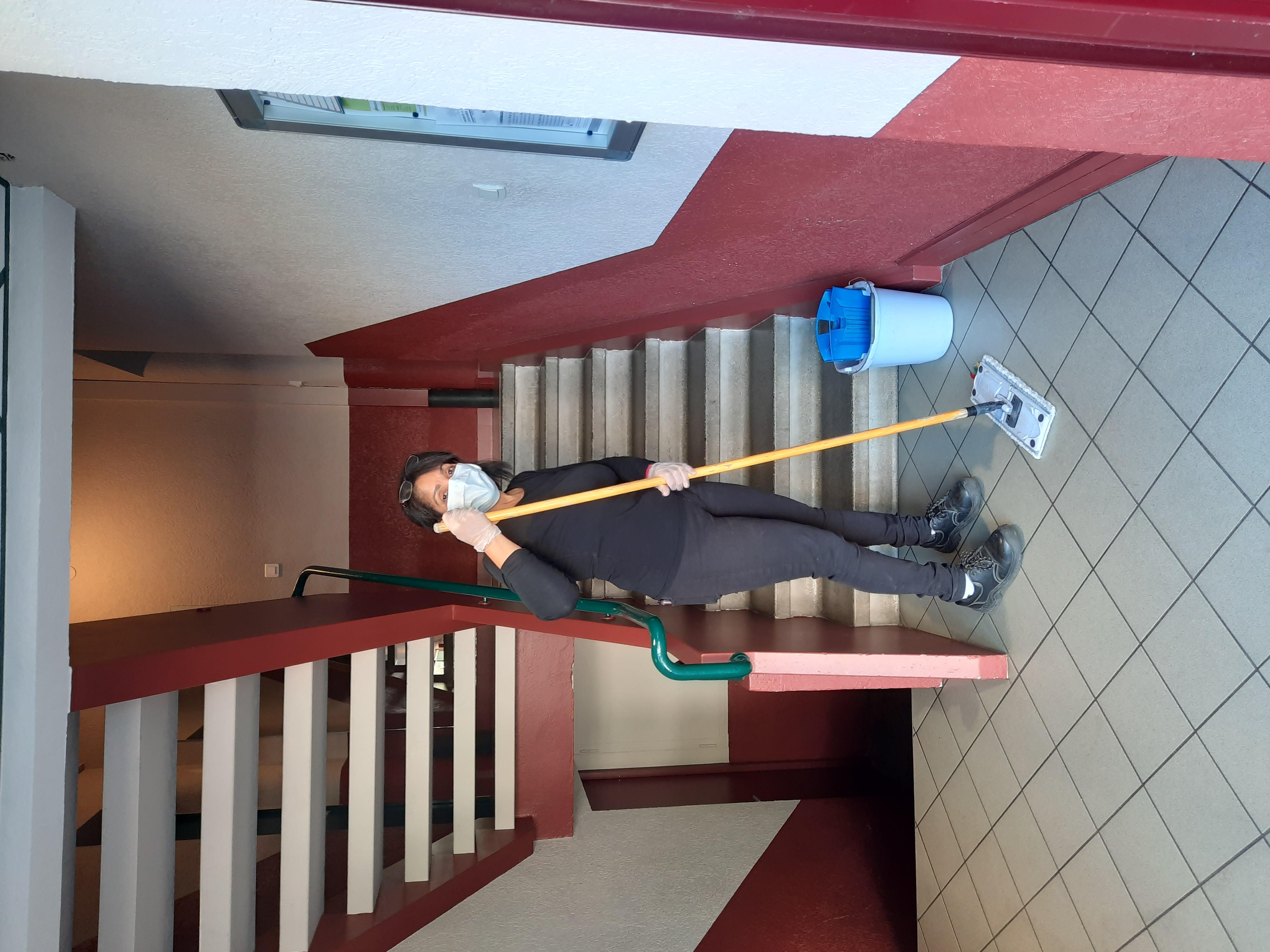 nettoyage des montées d'escaliers d'immeubles