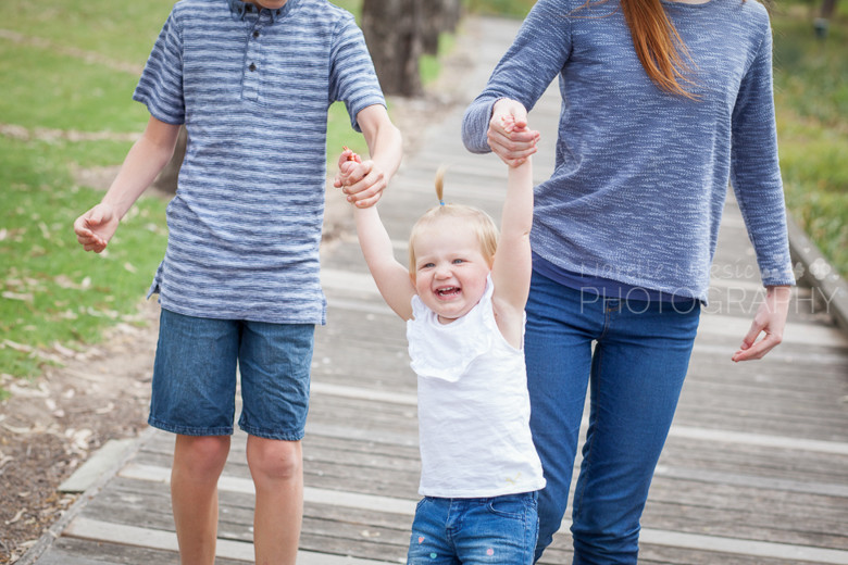 When was the last time you had photos of your whole family?? - Family Photography Geelong
