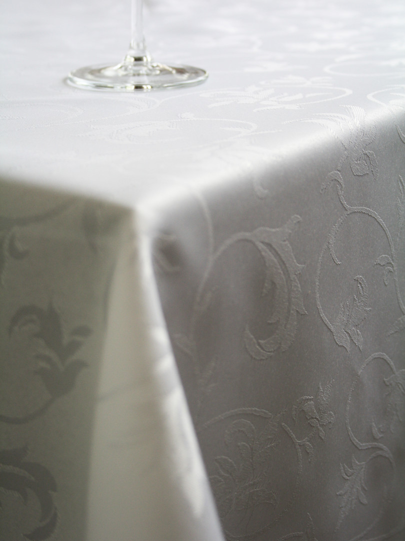 Fine Dining Table Linens