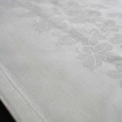 BCD Ivy Leaf Small Tablecloth