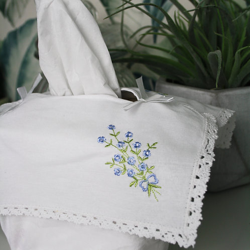 Forget Me Knot Tissue Box Cover