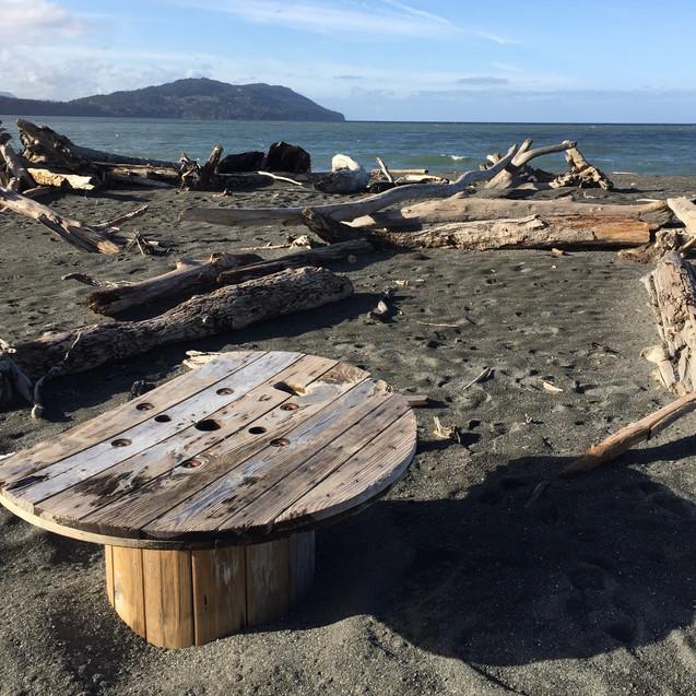 improptu beach table