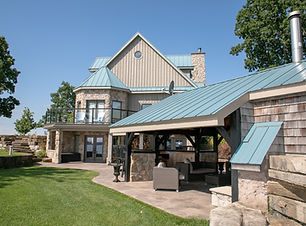 Image of side exterior of Wolfe Island Lodge