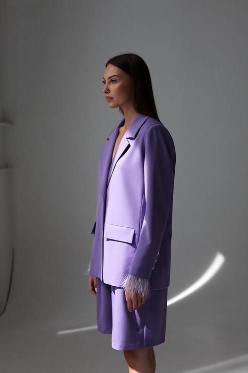 Vienbortis Lilac spalvos švarkas su plunksnomis + Bermud šortai