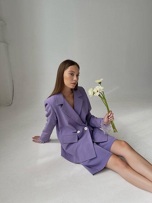 Dvibortis Lilac spalvos švarkas su plunksnomis + Bermud šortai