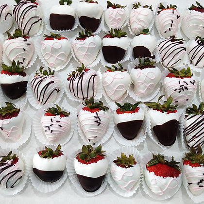 24 Chocolate dipped strawberries
