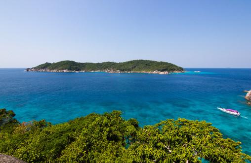 Canva - Phang-nga, Thailand - Surin Isla