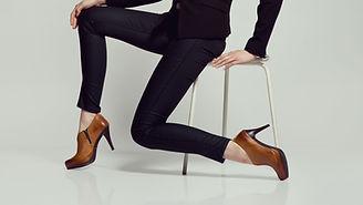 zapatos de tacón alto de color marrón