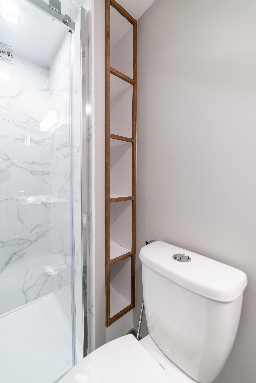 ricky-bathroom--22