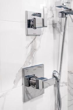 ricky-bathroom--3