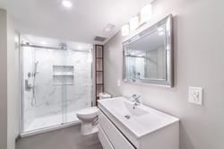 ricky-bathroom--17