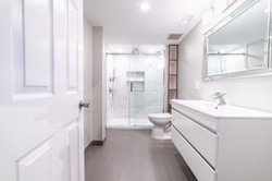 ricky-bathroom-5900