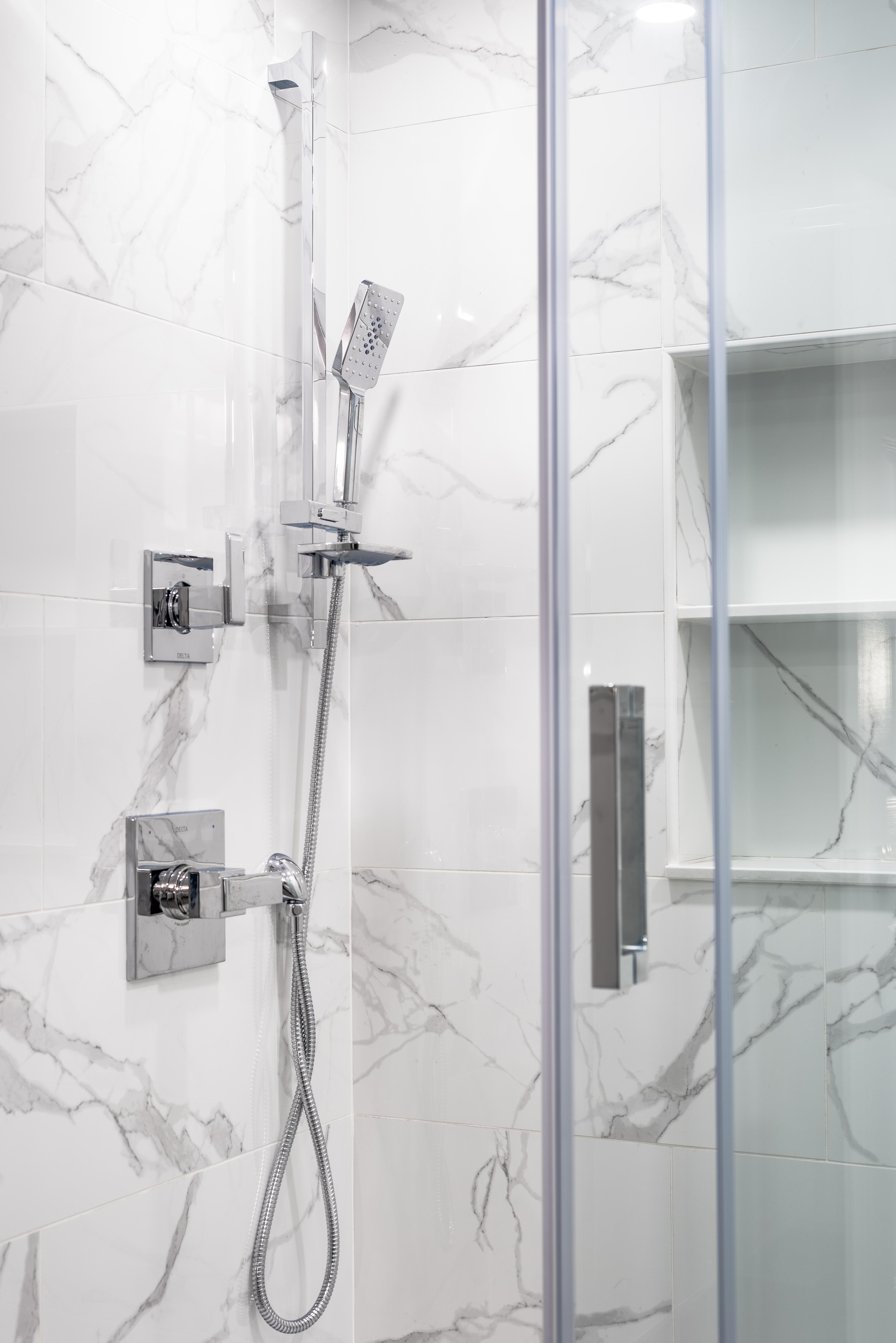 ricky-bathroom--12