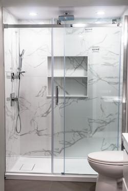 ricky-bathroom-6027