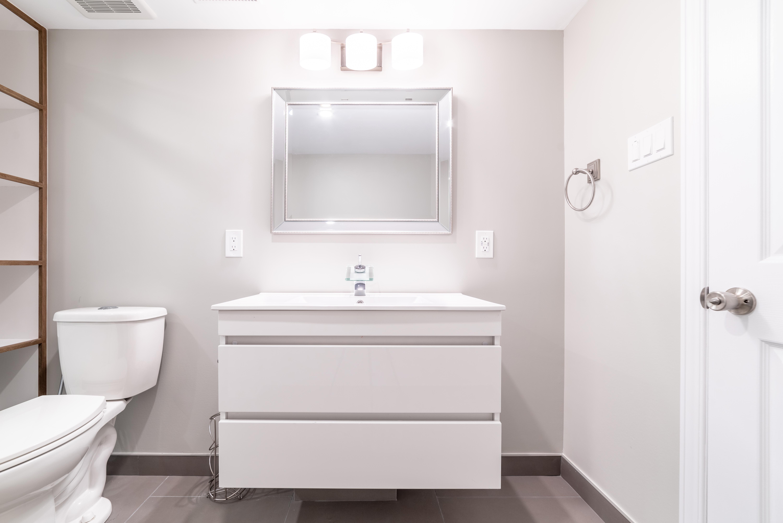 ricky-bathroom--24
