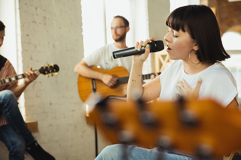 inspiration-musician-band-jamming-togeth