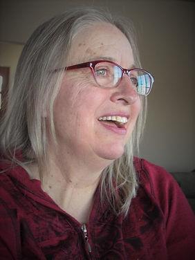 profile pic color v.jpg