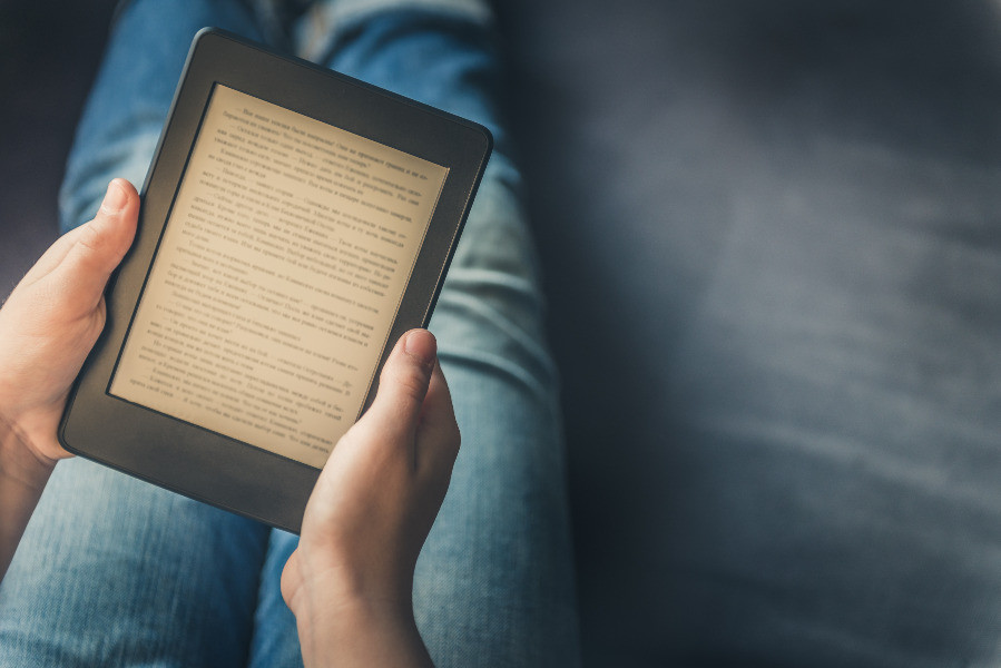 Formatting a novel and/or a non-fiction book can be a daunting task. In this blog I will tell you all about formatting a novel and/or a non-fiction book.