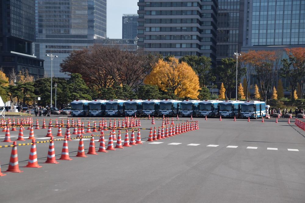 警察車両がたくさん