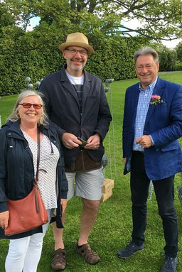 Alan Titchmarsh visits mark irwin sculpt