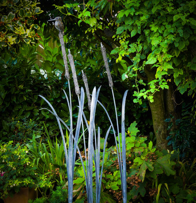 kingfisher and large reeds sculpture_