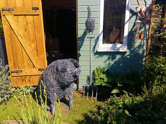 garden pig sculpture.jpg