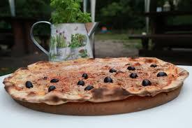 Pizza de Atún y Quesos Artesanos DOP Mahón Menorca