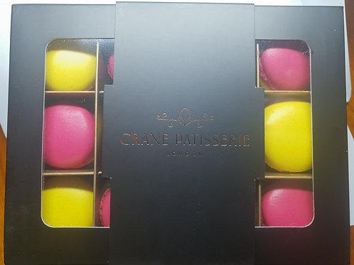 Gift Box 12 Mini Macarons