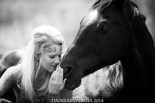 Niki-Flundra-horse-trainer