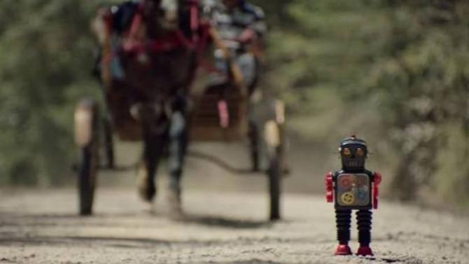 Duracell ajuda robô em busca por seu dono