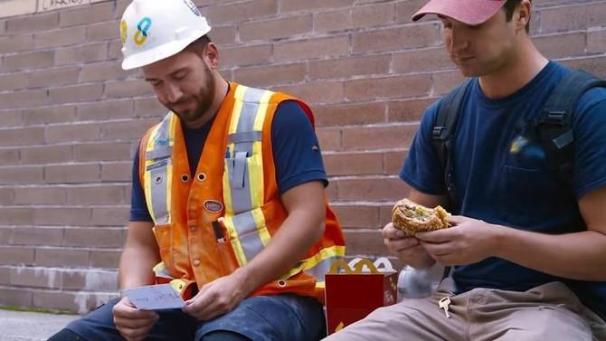 Instituto Ronald McDonald agradece a canadenses com cartas