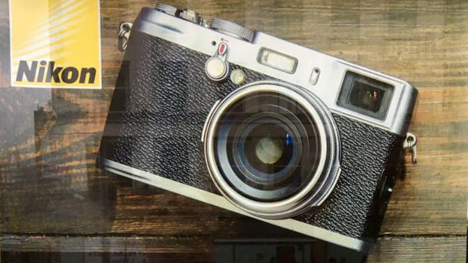 Nikon comete gafe e usa câmera de outra marca em anúncio