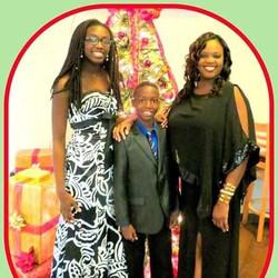 Image 3 - Shannan and kids at Hope Award