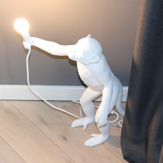Detail-Stehleuchte Affe.JPG