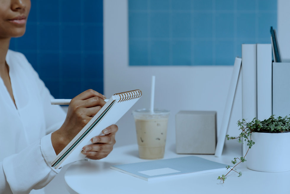 haute-stock-photography-subscription-airy-blue-office-collection-final-7_edited.jpg