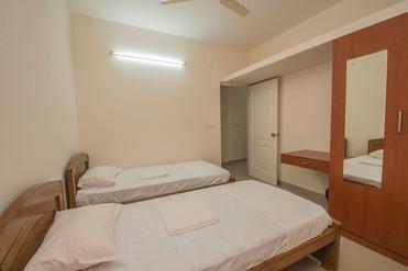 Bedroom_c.jpg