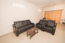 Living Room_b.jpg