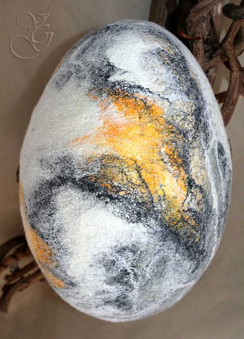 100% Merino Wool & Other Fibres Small size Felted Egg