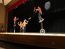 Hanson Family Juggling Unicyclists