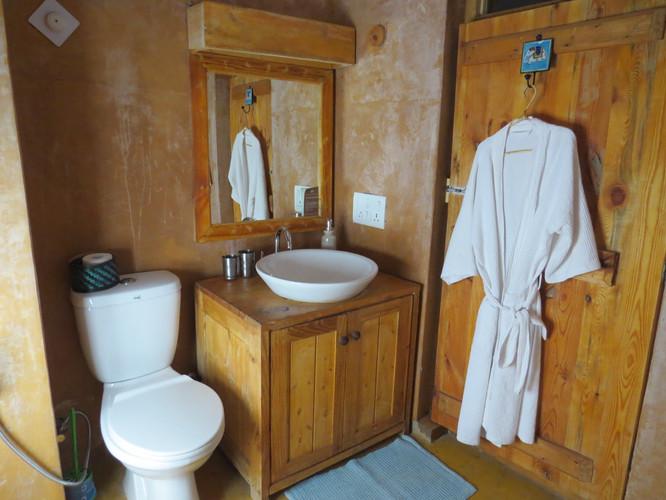 Room Heritage Bathroom.JPG