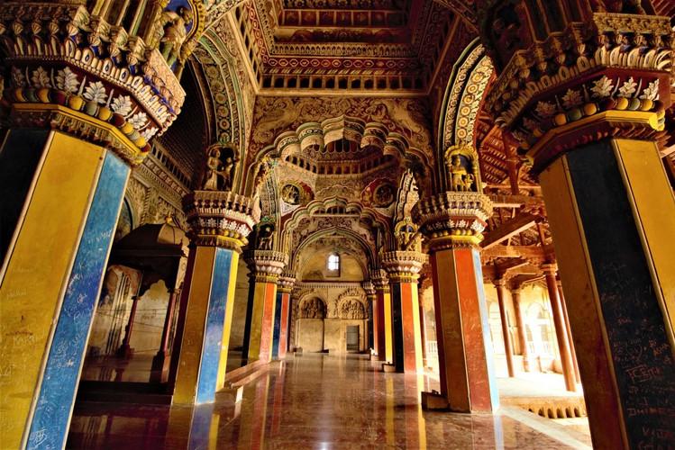 Tanjore-Durbar-Hall-7.jpg