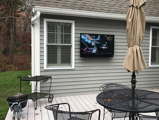 Outdoor Entertainment Experience Enhanced by Extreme Audio Tech