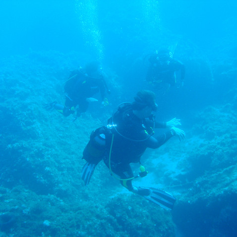 hydra diving center.jpg