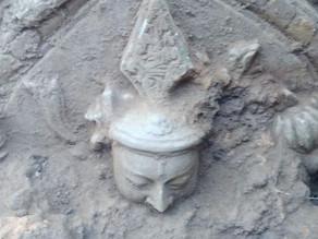 ASI Team Unearth Huge Buddha Statue At Hazaribagh