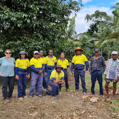 Qld Government visits Reef Assist project sites