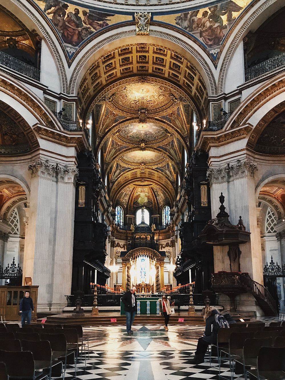 An interior photo of Saint Paul's Cathedral facing the Quire and High Altar