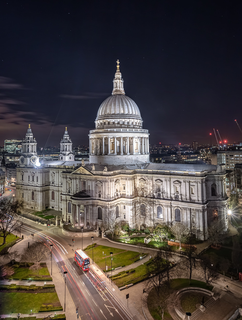 Night photo of Saint Paul's Cathedral, London